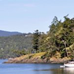 Puget Sounder anchored out off Jones Island
